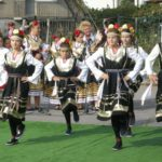 1200px-Bulgarian_Girls_02